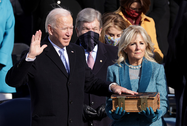 Inauguration Into Office「Joe Biden Sworn In As 46th President Of The United States At U.S. Capitol Inauguration Ceremony」:写真・画像(16)[壁紙.com]