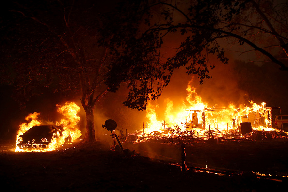 Fire - Natural Phenomenon「Evacuations Issued For Parts of Sonoma County As Kincade Fire Spreads」:写真・画像(17)[壁紙.com]