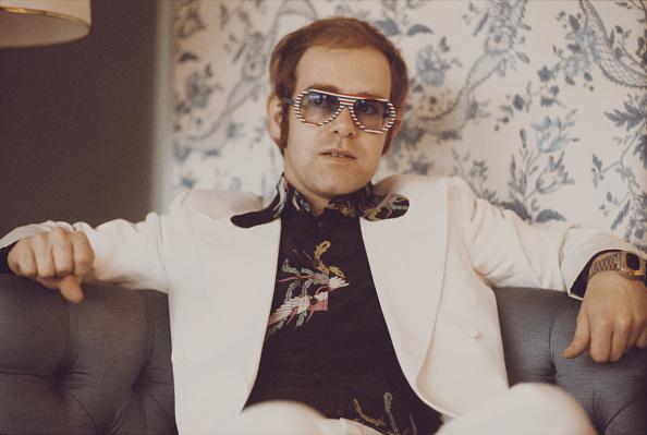 Sofa「Elton John」:写真・画像(1)[壁紙.com]