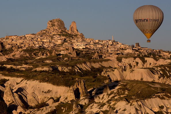 Tourism「Peak Tourist Season Begins in Turkey's Famous Cappadocia Region」:写真・画像(6)[壁紙.com]