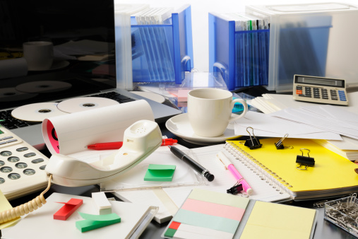 Chaos「Desktop in a mess intensely」:スマホ壁紙(1)
