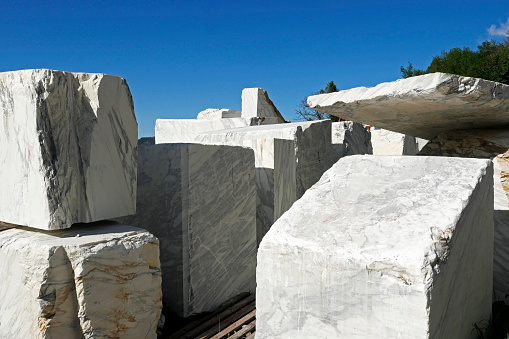 Marble - Rock「marble quarry near Levigliani, Apuan Alps, Tuscany」:スマホ壁紙(12)