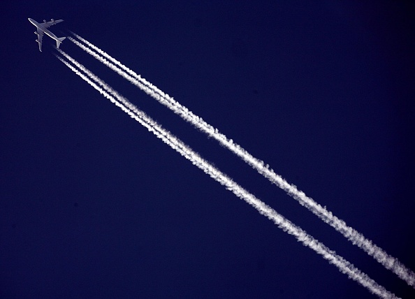 Commercial Airplane「Government Targets To Cut Carbon Emissions By 2050」:写真・画像(17)[壁紙.com]