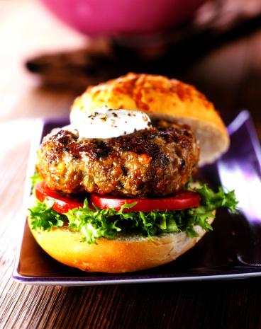 Mayonnaise「Homemade lamb burger in bun」:スマホ壁紙(0)