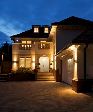 Paving Stone「luxury house at night」:スマホ壁紙(13)