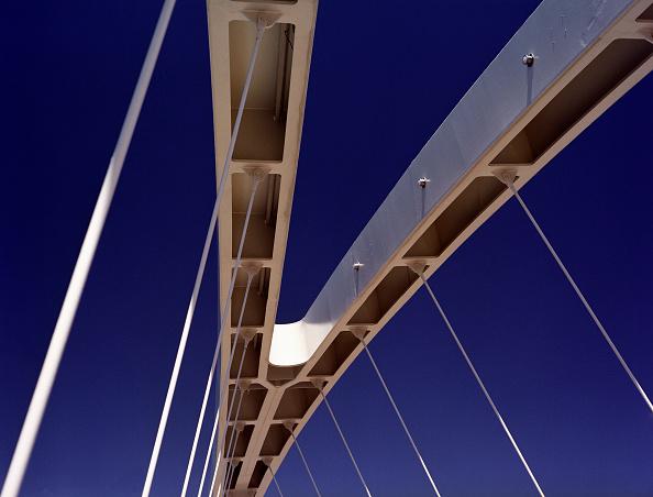 Architecture「Abstract detail of a modern bridge」:写真・画像(12)[壁紙.com]