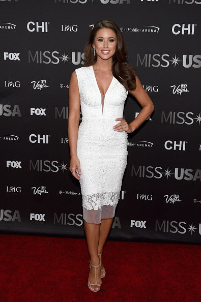 Cream Colored Shoe「2016 Miss USA Competition - Arrivals」:写真・画像(13)[壁紙.com]