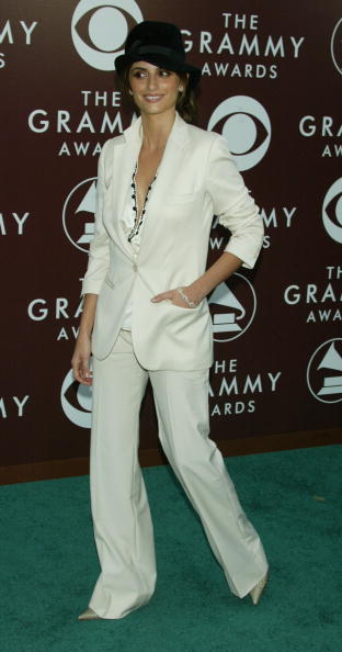 Cream Colored Shoe「The 47th Annual Grammy Awards - Arrivals」:写真・画像(16)[壁紙.com]