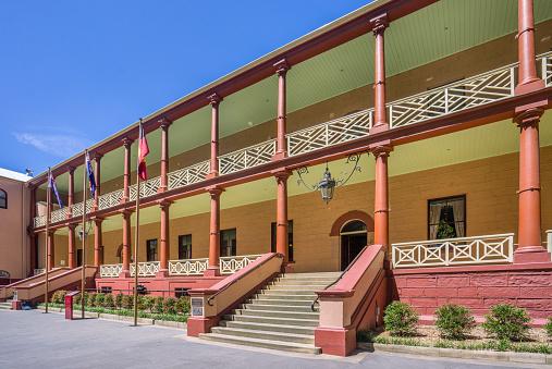 Colonnade「Parliament Hous in Macquarie Street」:スマホ壁紙(18)