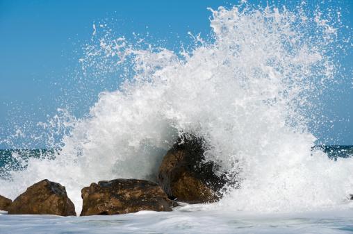 Spraying「Storm Surf」:スマホ壁紙(10)