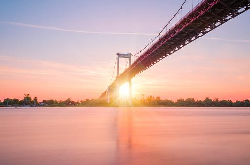 Nouvelle-Aquitaine「Aquitaine bridge over the Garonne at sunset, Bordeaux, Nouvelle-Aquitaine, France」:スマホ壁紙(10)