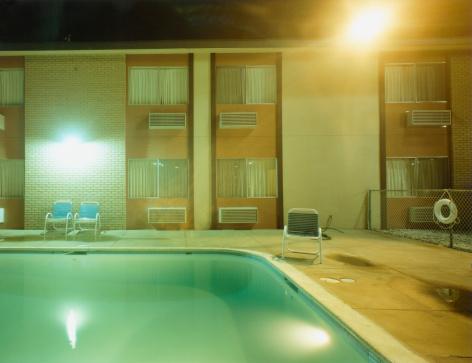 Motel「Motel Swimming Pool at Night」:スマホ壁紙(12)