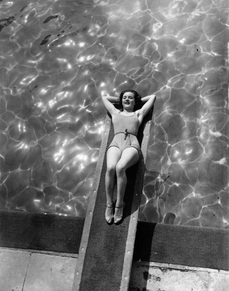 平穏「Board Bather」:写真・画像(19)[壁紙.com]