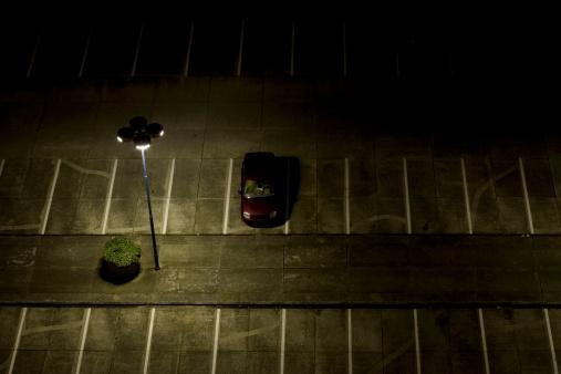 寂しさ「駐車場の夜」:スマホ壁紙(1)