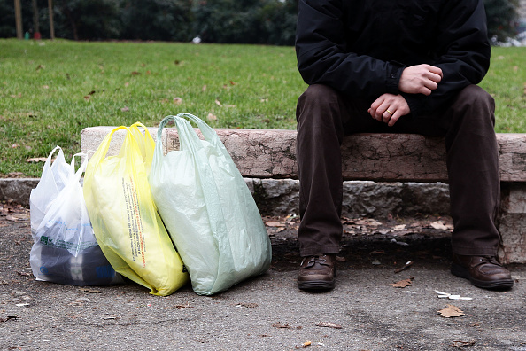 Bench「Italy to Ban Plastic Bags」:写真・画像(7)[壁紙.com]
