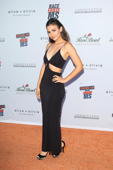 Maxi Dress「28th Annual Race To Erase MS Gala - Arrivals」:写真・画像(6)[壁紙.com]