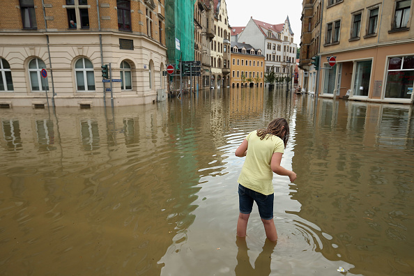Uncertainty「Floods Hit Germany: Elbe And Saale」:写真・画像(1)[壁紙.com]