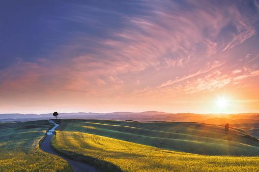 Mediterranean Culture「Sunset in Tuscany, Italy」:スマホ壁紙(17)
