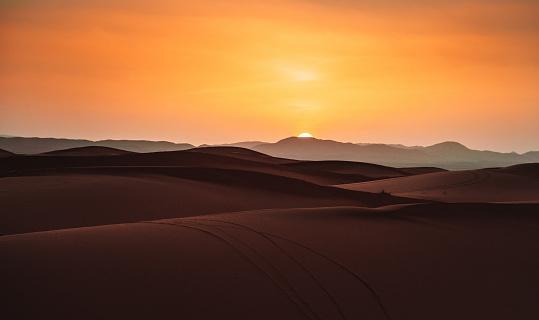 Africa「sunset in the desert」:スマホ壁紙(6)