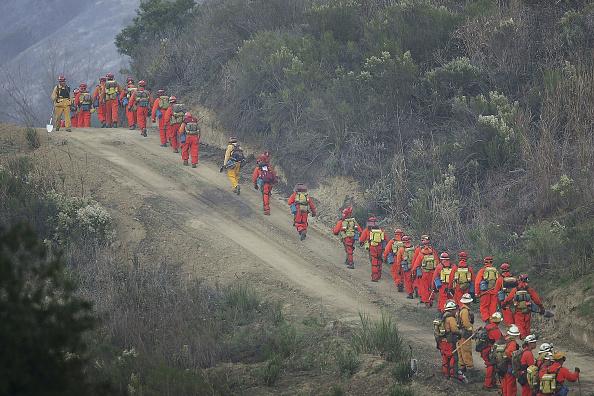 Recreational Pursuit「Wildfires Erupt In Ventura County」:写真・画像(11)[壁紙.com]