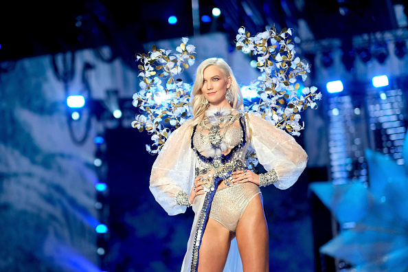Victoria's Secret Fashion Show「2017 Victoria's Secret Fashion Show In Shanghai - Show」:写真・画像(11)[壁紙.com]