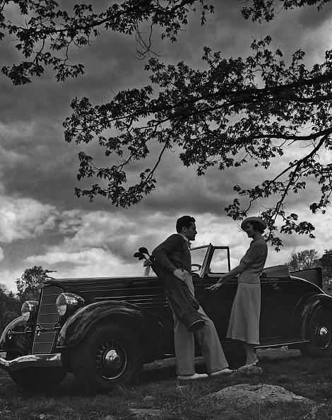 Outdoors「Talking By The Car」:写真・画像(10)[壁紙.com]