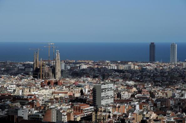 サグラダ・ファミリア「Views of Barcelona」:写真・画像(13)[壁紙.com]