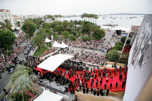 Palais des Festivals et des Congres「Cannes - 'We Own The Night' - Premiere」:写真・画像(5)[壁紙.com]