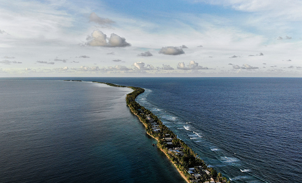 Aerial View「Rising Sea Levels Threaten Coral Atoll Nation Of Tuvalu」:写真・画像(12)[壁紙.com]
