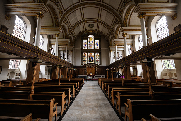 Church「More Clergy In England Return To Church For Prayer And Live-Streamed Services」:写真・画像(11)[壁紙.com]