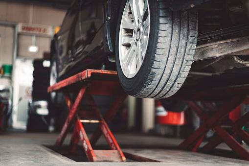 Insurance「Car lifting」:スマホ壁紙(0)
