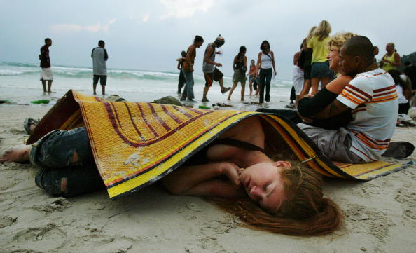 Lying Down「Full Moon Party In Thailand」:写真・画像(6)[壁紙.com]