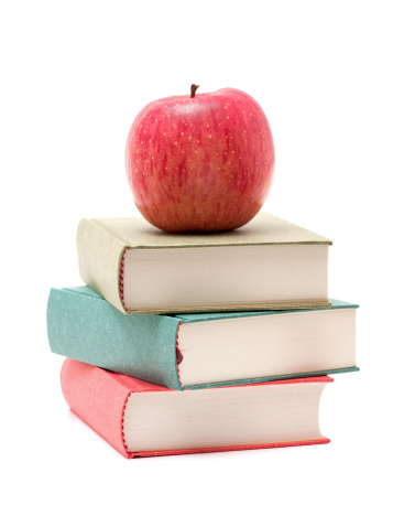 Heap「Apple on a Stack of Book isolated on white background」:スマホ壁紙(15)