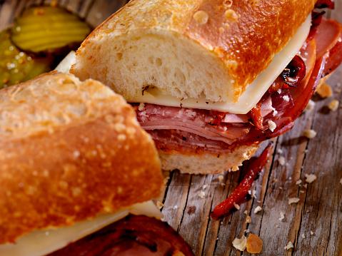 Bun - Bread「Italian Sandwich with Salami,Genoa, Prosciutto, Provolone and Red Peppers」:スマホ壁紙(14)