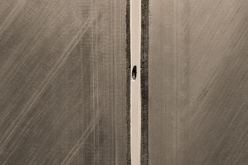 Agricultural Field「Road from above through agricultural fields」:スマホ壁紙(19)
