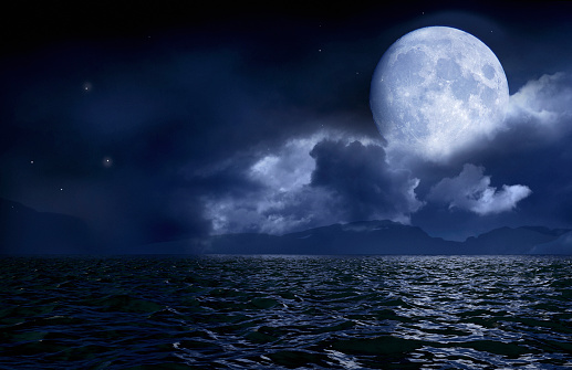 Moon「Full moon over seascape and horizon」:スマホ壁紙(11)