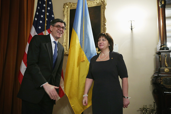 Treasury - Finance and Government「Jacob Lew Meets With Ukrainian Finance Minister Natalie Jaresko At Treasury」:写真・画像(4)[壁紙.com]