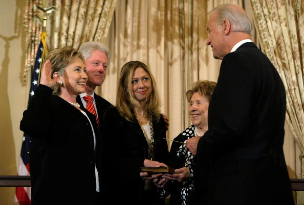 Secretary Of State「Hillary Clinton Takes Part In Ceremonial Swearing-In As Secretary Of State」:写真・画像(14)[壁紙.com]