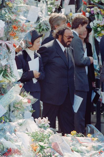 Bouquet「Diana's Funeral」:写真・画像(16)[壁紙.com]