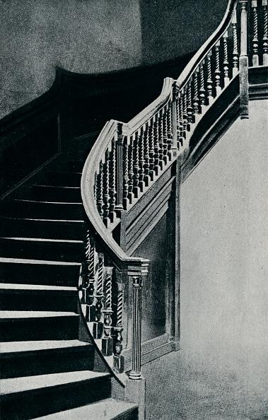 Horror「'Oak Staircase Of Charles II, At Whitton Park House', 1910.」:写真・画像(1)[壁紙.com]