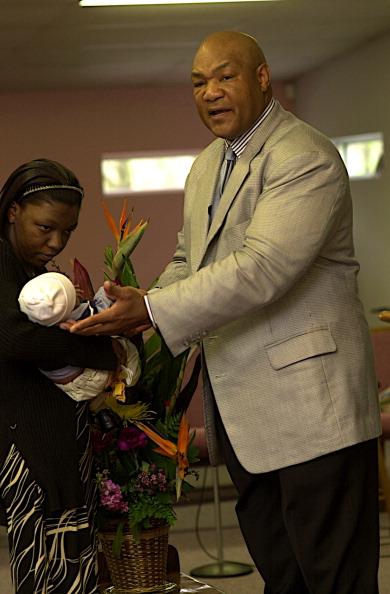 George Foreman「Foreman Baptises Child」:写真・画像(19)[壁紙.com]