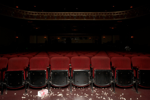 Finishing「Theatre auditorium with popcorn on floor」:スマホ壁紙(5)