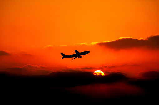 Approaching「flying airplane over sunset」:スマホ壁紙(17)