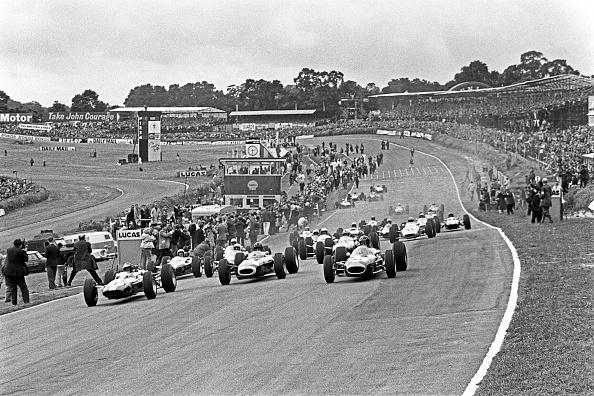 P「Jim Clark, Graham Hill, Dan Gurney, Grand Prix Of Great Britain」:写真・画像(0)[壁紙.com]