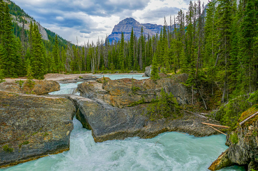 Yoho National Park「Mount Stephen and the Natural Bridge on Kicking Horse River, Yoho National Park, Canada」:スマホ壁紙(5)