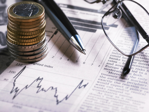 Financial Report「A financial chart with coins, glasses and pen」:スマホ壁紙(14)