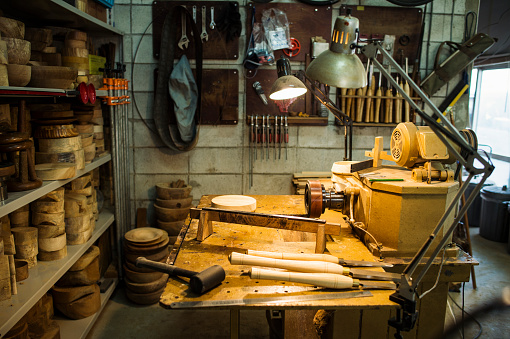Carpentry「Woodworking craftsmen's workplace」:スマホ壁紙(13)