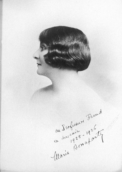 Mental Health Professional「Portrait Marie Bonaparte with autographic dedication to Sigmund Freud, Photograph, 1925/26」:写真・画像(13)[壁紙.com]