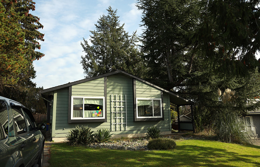 Inexpensive「Affordable House in a Vancouver Suburb, Canada」:スマホ壁紙(18)