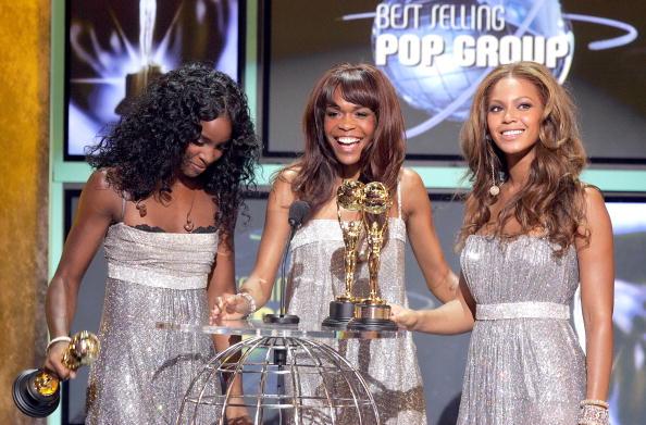 Kelly public「2005 World Music Awards - Show」:写真・画像(8)[壁紙.com]